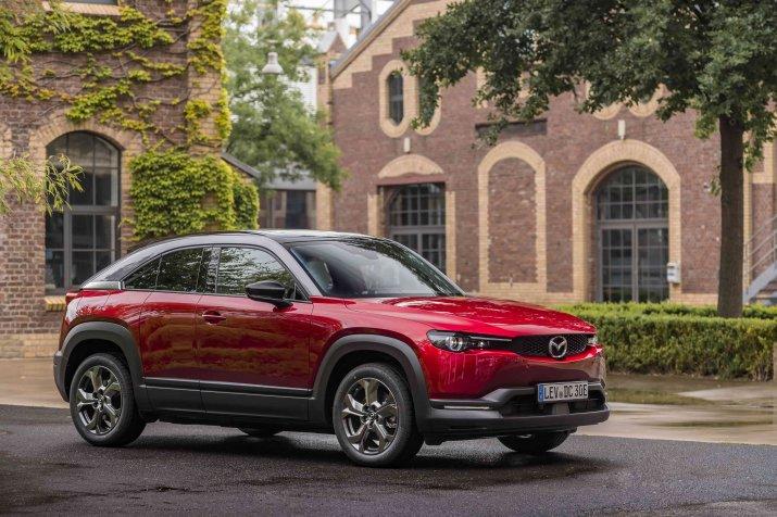 Mazda MX-30 Soul Red Crystal Modern Confidence-min